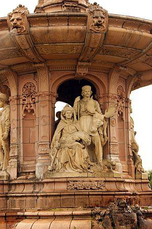 18/09/13 GLASGOW. Doulton Fountain Glasgow Gree.
