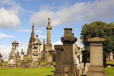 18/09/13 GLASGOW. The Necropolis, view of the Knox memorial.