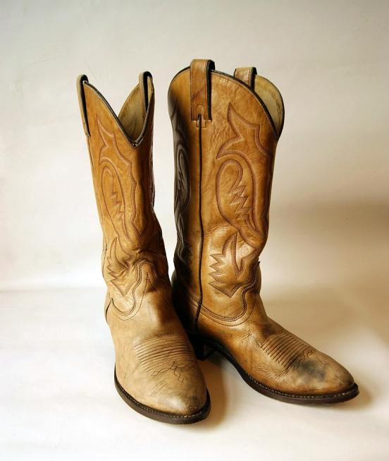 STUDIO. Cowboy Boots