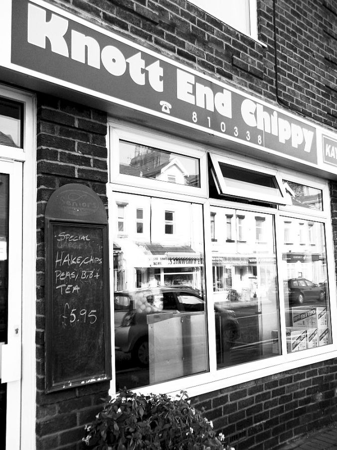 20-09-12 KNOTT END. The very good chippy