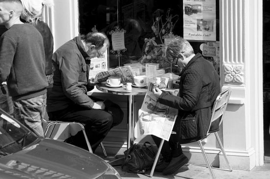 19/04/14 CHESTER. Bridge Street. Coffee For Two.