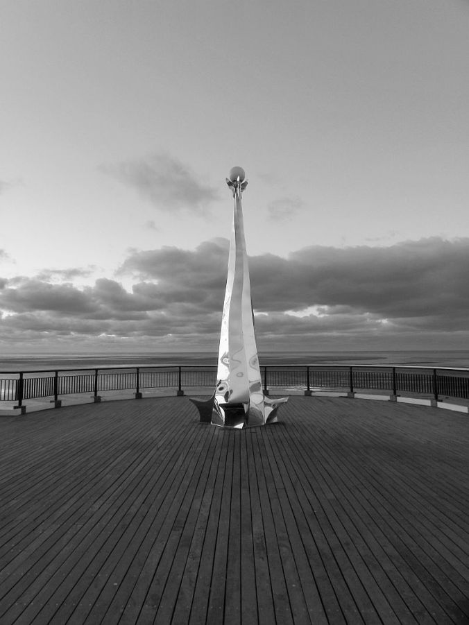 191110 SOUTHPORT end of the pier B&W