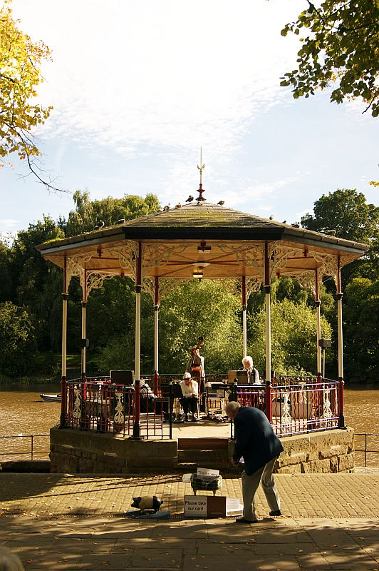 21/09/13 CHESTER. The Bandstand & the Troubadours.