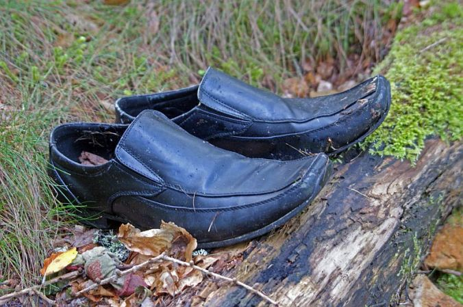 28/08/14 The Black Isle. Munlochy Clooty Well.  Shiny Shoes.