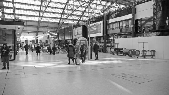 15/02/18  LIVERPOOL. Lime Street Station. Concourse.