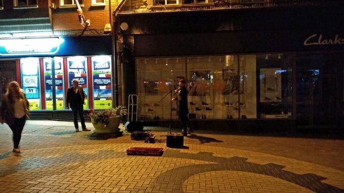 06/10/18 CHORLEY LIVE.  Lone Violinist On Chapel Street.