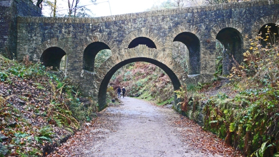 11/11/18 RIVINGTON TERRACED GARDENS.  Seven Arch Bridge.