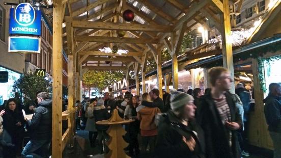 17/11/18  MANCHESTER. St. Annes Square.