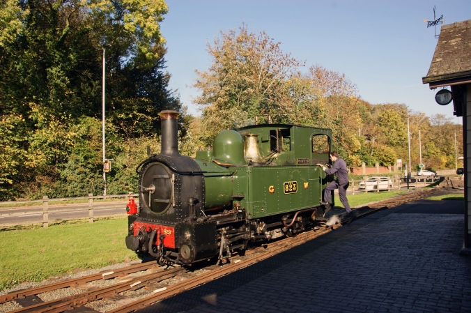 20/10/18  WELSHPOOL & LLANFAIR Light Rly. Welshpool Raven Square