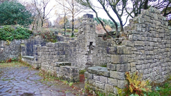 11/11/18 RIVINGTON TERRACED GARDENS. Gardeners Cottages.