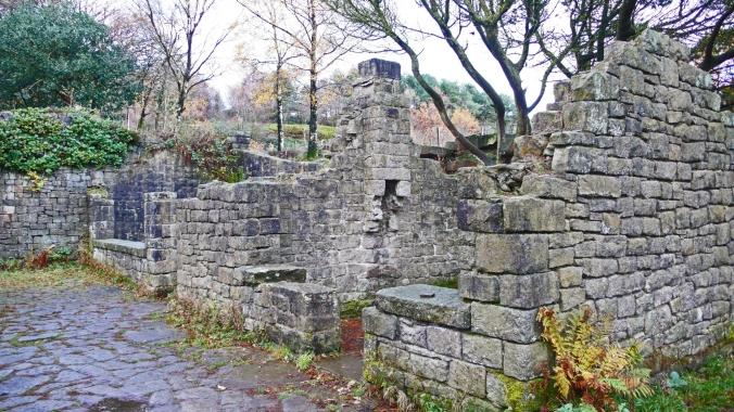 11/11/18 RIVINGTON TERRACED GARDENS. Gardeners Cottages.