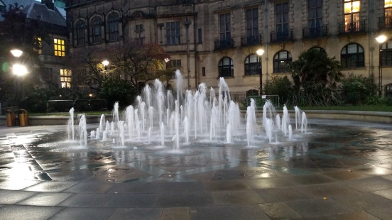 03/11/18  SHEFFIELD. The Peace Gardens. The Fountains.
