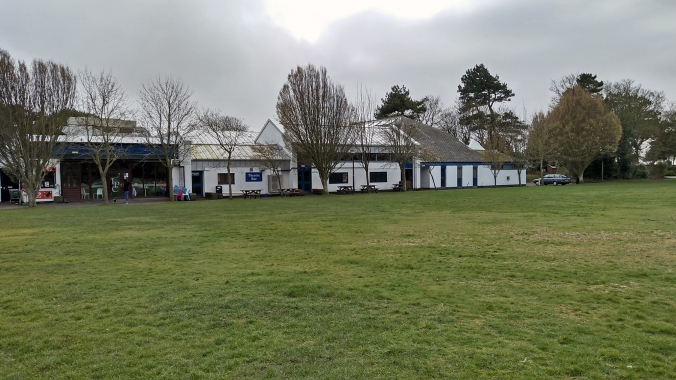 17-03-19 LYTHAM. Lowther Gardens.  The Lowther Pavilion Theatre.