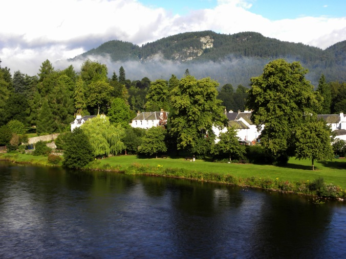 190810 DUNKELD View from the bridge 3