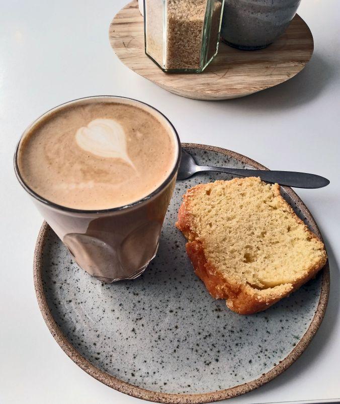 02/05/19  FRODSHAM. Latte & Cake.