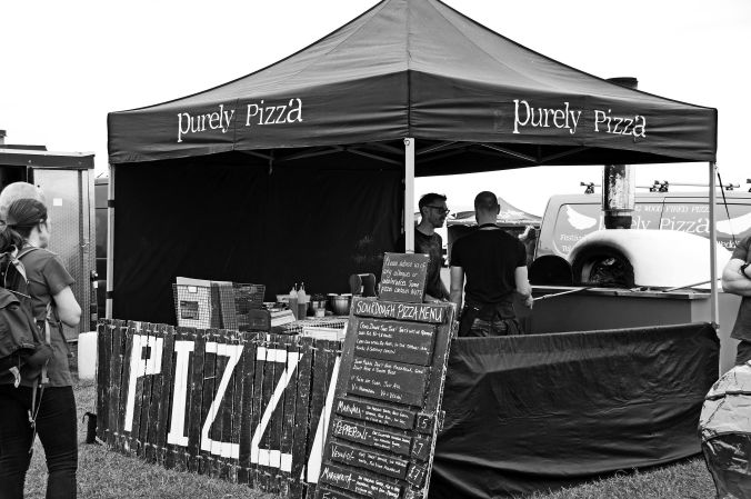 01/06/19  HESKIN VINTAGE RALLY. Purely Pizza.