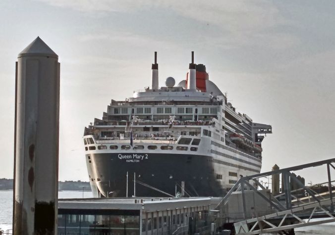 16-07-19  LIVERPOOL. The Pier Head & Cunard's Queen Mary 2.