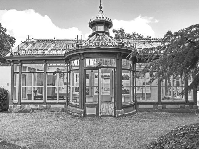 20/06/19 FRODSHAM. Castle Park. The Conservatory Exterior.