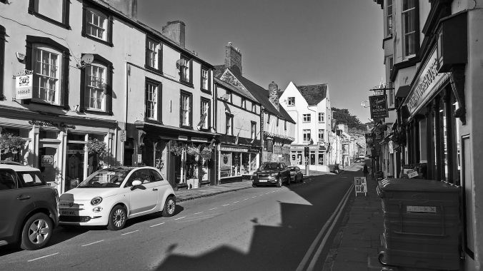 19/09/19  CONWY.  Castle Street.