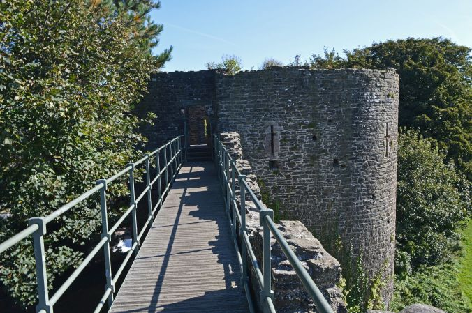 19/09/19  CONWY.  Town Walls. Llewellyn's Tower