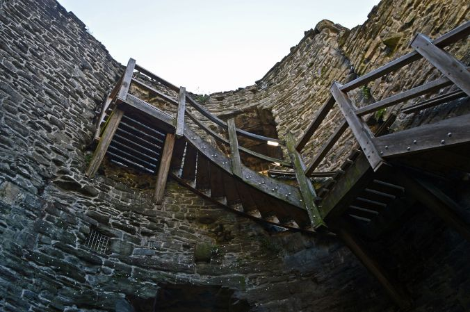 19/09/19  CONWY.  Town Walls. Staircase.