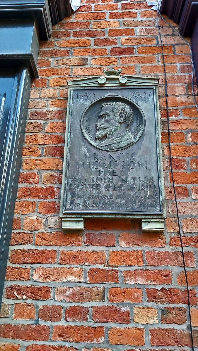 27/10/19.  PRESTON. Winkley Street. Francis Thompson Plaque.