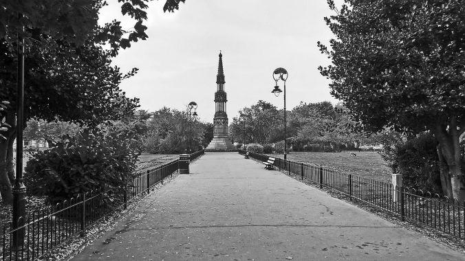 31/10/19 BIRKENHEAD. Hamilton Square. The Gardens.
