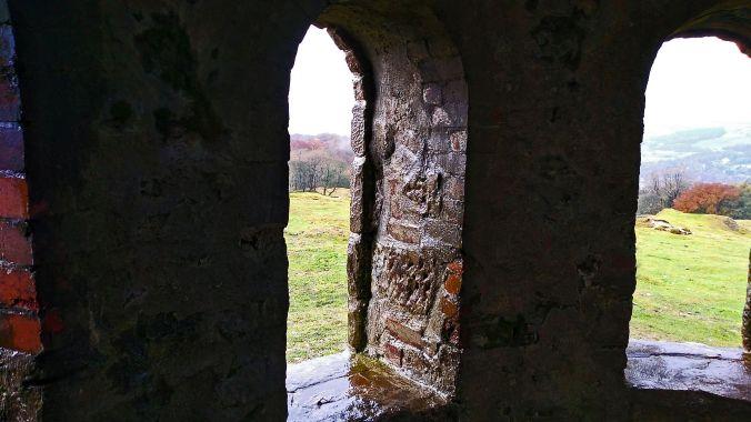 02/11/19 BUXTON. Grin Low. Solomon's Temple. Windows.