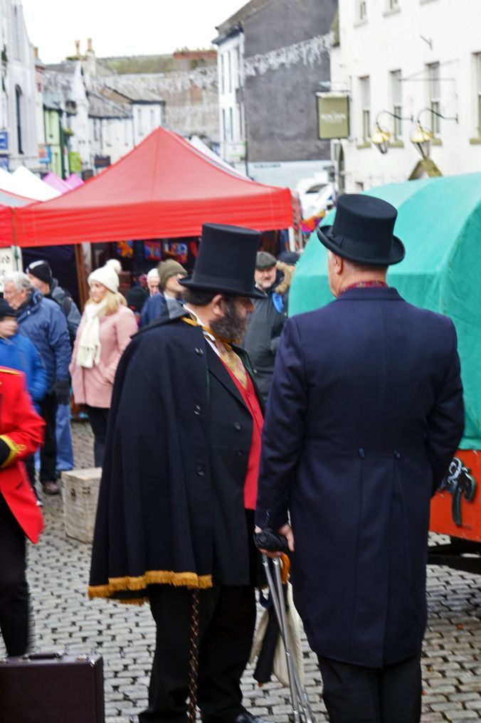 09. 23-11-19 ULVERSTON. Top Hats On Market Street