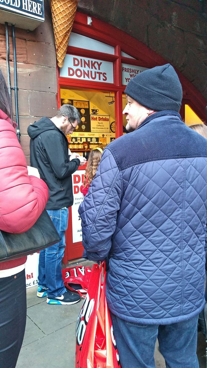 28/12/19 CHESTER. Eastgate Street. Dinkey Donuts.