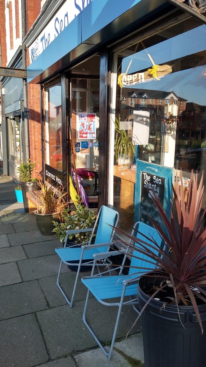 30/11/19 NEW BRIGHTON.  The Sea Shanty Cafe.