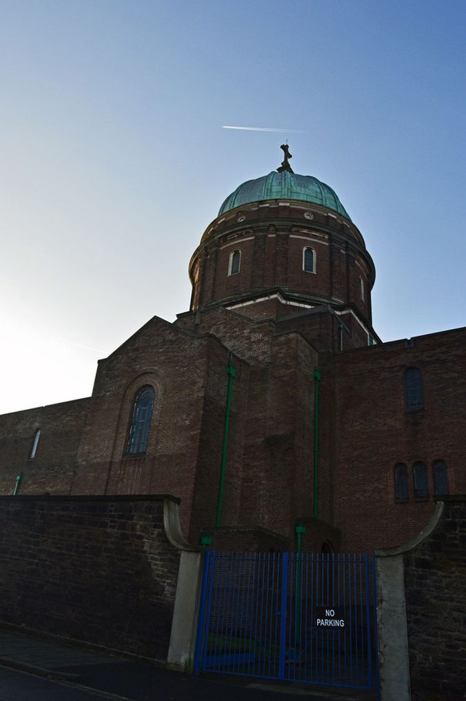 30/11/19 NEW BRIGHTON. The Church of SS Peter & Paul and Saint P