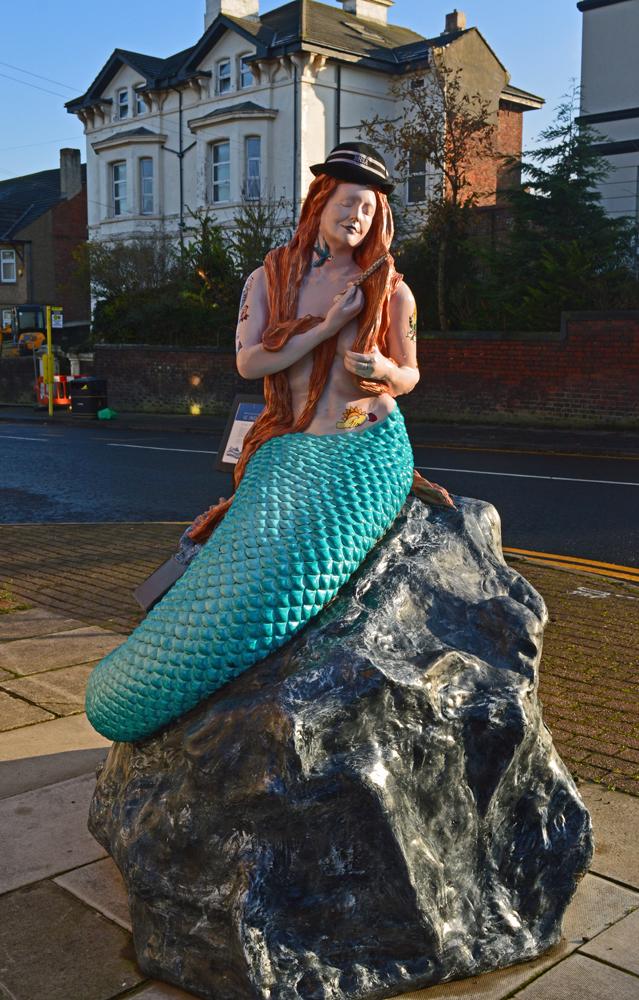 30/11/19 NEW BRIGHTON. Mermaid Statue.