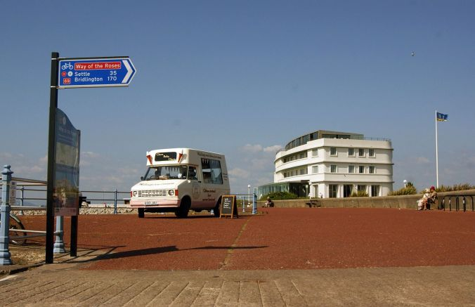 18/07/13 MORECAMBE. The Promenade and Midland Hotel.