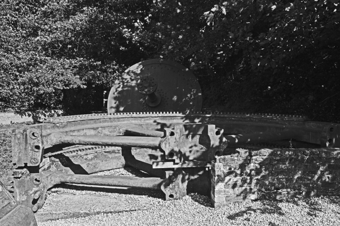 12/09/19  HOLYWELL. Greenfield Park. Old Machinery