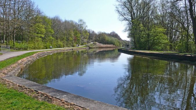 08/04/20 EARLESTOWN. Sankey Valley Park. Canal Towards Warringto
