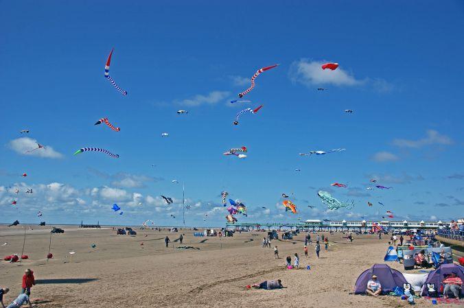 25/07/15 ST. ANNES. Kite Sky.